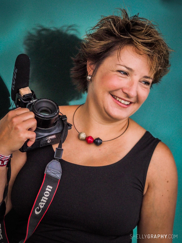 Als Videojournalistin produziere ich Imagefilme und Beiträge