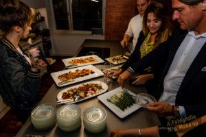 Buffet des Abends mit Gästen
