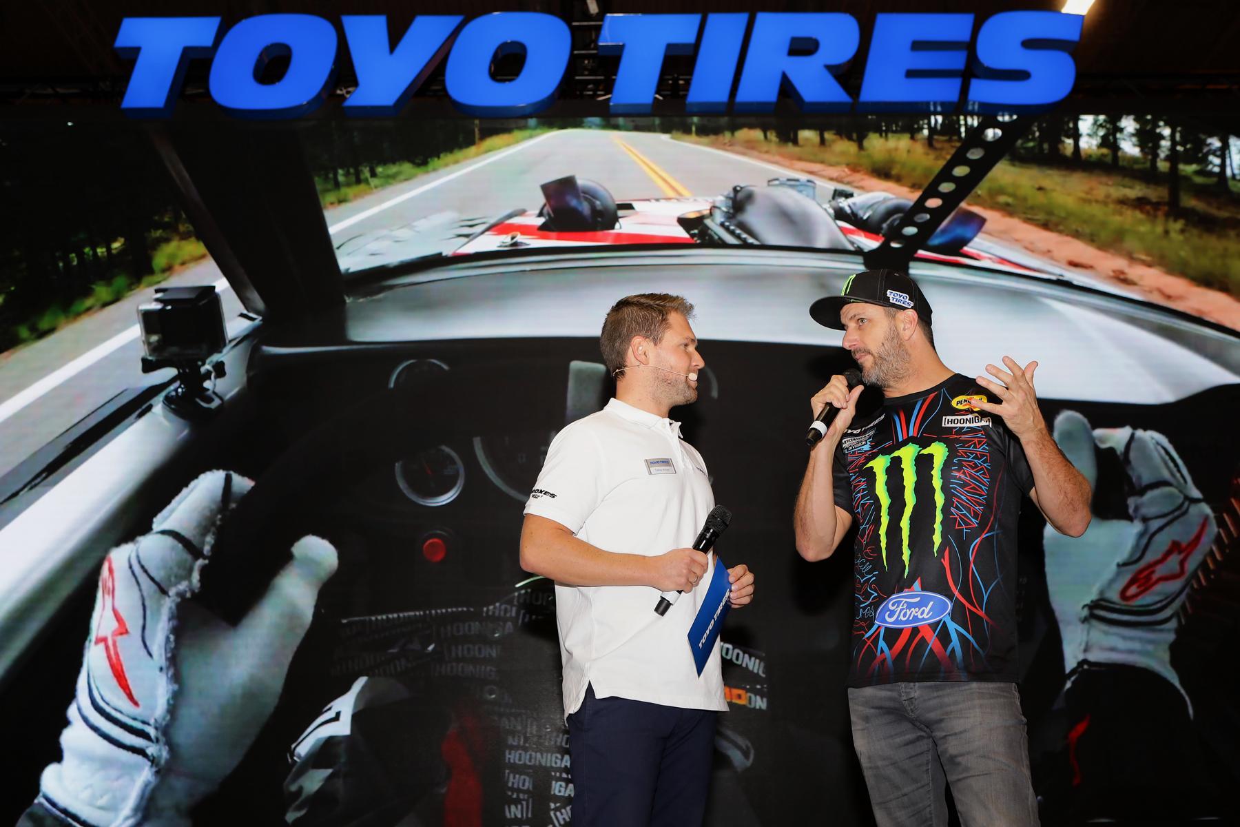 Essen Motor Show, Messemdoderation für Toyo Tires